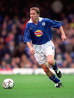 Steve Guppy - Leicester. Leicester City v Manchester United. FA Premiership, 14/10/00. Credit: Colorsport / Andrew Cowie.