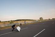 Op de Dekrabaan in Schipkau valt Ellen van Vugt met haar VeloXs tijdens de eerste start voor haar uurrecordpoging. Ze haalde uiteindelijk het record niet door warmte en een klein gebrek aan de fiets. Met deze VeloXs wil ze in september ook het sprintrecord verbeteren in Battle Mountain tijdens de World Human Power Speed Challenge. <br /> <br /> At the Dekra track in Schipkau Ellen van Vugt falls at the start of the new hour record attempt. Due to heat at the start of the race and a technical issue, the attempt fails. With the VeloX2 Van Vught also wants to set a new sprint record during the World Human Power Speed Challenge.