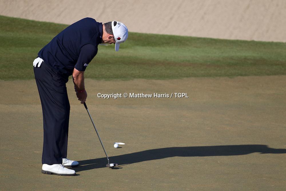 Paul LAWRIE (SCO) putting during fourth round,Abu Dhabi HSBC Championship 2013,Abu Dhabi Golf Club,Abu Dhabi,20th January 2013.