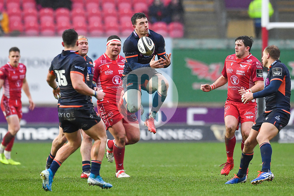 Matt Scott of Edinburgh claims the high ball<br /> <br /> Photographer Craig Thomas/Replay Images<br /> <br /> Guinness PRO14 Round 11 - Scarlets v Edinburgh - Saturday 15th February 2020 - Parc y Scarlets - Llanelli<br /> <br /> World Copyright © Replay Images . All rights reserved. info@replayimages.co.uk - http://replayimages.co.uk