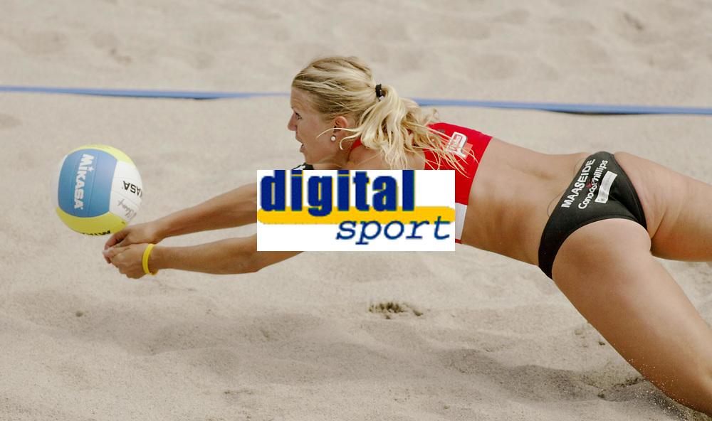 Volleyball, Sandvolleyball, World Tour Stavanger, Grand Slam, 29/06-05,<br />Kathrine Maaseide,<br />Foto: Sigbjørn Andreas Hofsmo, Digitalsport