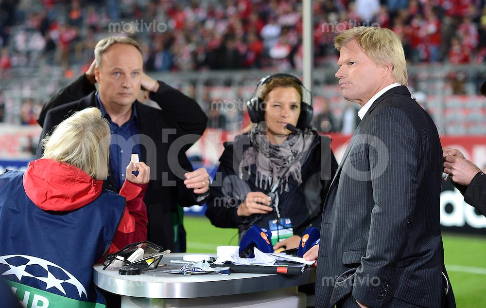 FUSSBALL   CHAMPIONS LEAGUE   SAISON 2012/2013   GRUPPENPHASE   FC Bayern Muenchen - FC Valencia                            19.09.2012 Oliver Kahn im Fernseh Interview mit Moderator Oliver Welke