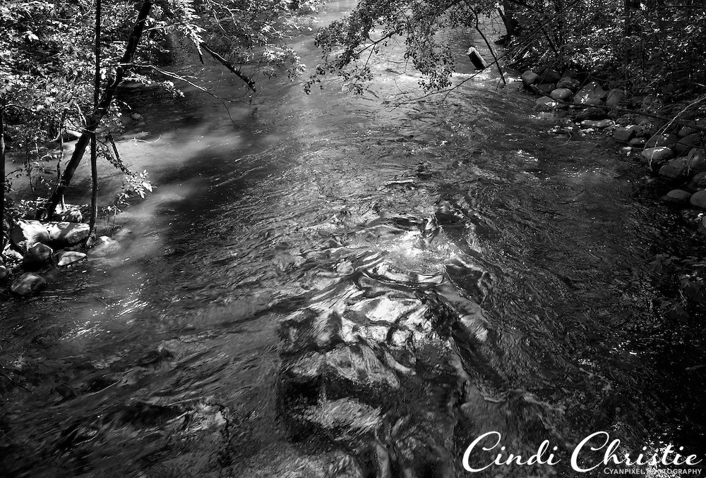 The Grand Rounds National Scenic Byway includes trails along Minnehaha Creek in Minneapolis, MN, on Wednesday, July 20, 2011. (© 2011 Cindi Christie/Cyanpixel Photography)