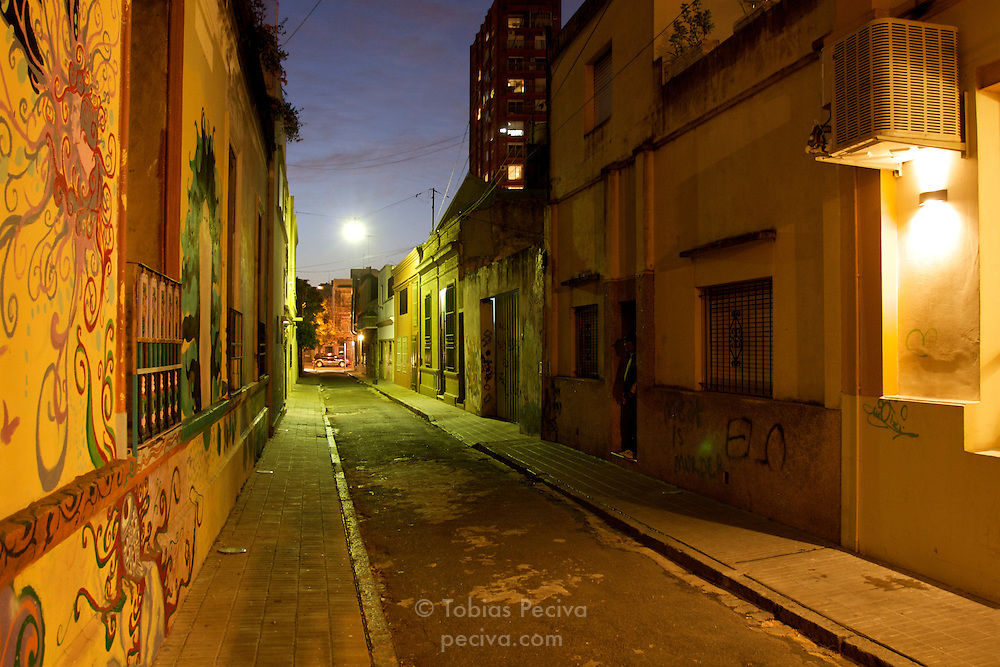 Deserted alleyway in upmarket neighborhood Palermo Soho, Buenos Aires, Argentina.