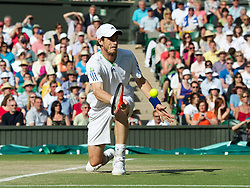 29.06.2011, Wimbledon, London, GBR, ATP World Tour, Wimbledon Tennis Championships, im Bild Andy Murray (GBR) in action during the Gentlemen's Singles Quarter-Final match on day nine of the Wimbledon Lawn Tennis Championships at the All England Lawn Tennis and Croquet Club. EXPA Pictures © 2011, PhotoCredit: EXPA/ Propaganda/ David Rawcliffe +++++ ATTENTION - OUT OF ENGLAND/UK +++++