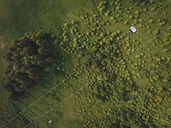 THEMENBILD - Gondel einer Seilbahn über der grünen Landschaft, aufgenommen am 10. Juni 2020 in Kaprun, Österreich // Gondola of a cable car above the green landscape, Kaprun, Austria on 2020/06/10. EXPA Pictures © 2020, PhotoCredit: EXPA/ JFK