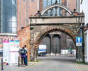 """Gdańsk. """"Brama Zakochanych"""" - renesansowa brama zlokalizowana nieopodal Bazyliki Mariackiej w Gdańsku."""