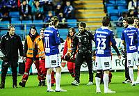 Fotball , 9. april 2012 , Tippeligaen , Eliteserien , Molde - Brann<br /> Rodolph Austin , Brann bæres av banen