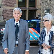 NL/Den Haag/20200702 - Diervriendelijke Parlementaire Barbecue, Frits Bolkestein en partner Femke Boersma