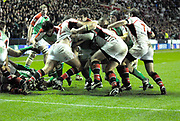 Reading, GREAT BRITAIN, Exiles pressuring the Ulter line, during the third round Heineken Cup game, London Irish vs Ulster Rugby, at the Madejski Stadium, Reading ENGLAND, Sat 09.12.2006. [Photo Peter Spurrier/Intersport Images]