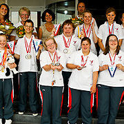 NLD/Huizen/20100630 - Deelnemers Special Olympics Nederland 2010 worden gehuldigd gemeentehuis Huizen
