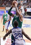 DESCRIZIONE : Cantu' campionato serie A 2013/14 Acqua Vitasnella Cantu' Montepaschi Siena<br /> GIOCATORE : Daniel Hackett<br /> CATEGORIA : tiro penetrazione<br /> SQUADRA : Montepaschi Siena<br /> EVENTO : Campionato serie A 2013/14<br /> GARA : Acqua Vitasnella Cantu' Montepaschi Siena<br /> DATA : 24/11/2013<br /> SPORT : Pallacanestro <br /> AUTORE : Agenzia Ciamillo-Castoria/R.Morgano<br /> Galleria : Lega Basket A 2013-2014  <br /> Fotonotizia : Cantu' campionato serie A 2013/14 Acqua Vitasnella Cantu' Montepaschi Siena<br /> Predefinita :