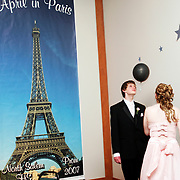 Justin Hopt and Charlene Hargrove head-butt a balloon back and forth during North Salem High School's prom at the State Fairgrounds' Cascade Hall, Apr. 28, 2007. THOMAS PATTERSON   Statesman Journal