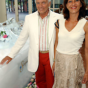 NLD/Amsterdam/20050704 - Premiere Sleeping Beauty on Ice, Ben Cramer en partner Carla van der Waal