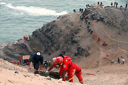 January 3, 2018 - Pasamayo, Peru - Rescue personnel work at the site of a bus accident in Pasamayo, north of Lima, capital of Peru, on Jan. 2, 2018. The death toll from a bus that plummeted off a steep cliff near Peru's capital Lima on Tuesday has climbed to 48, police said.  yy) (Credit Image: © [E]Andina/Xinhua via ZUMA Wire)