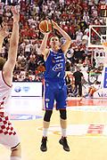 DESCRIZIONE : Campionato 2015/16 Giorgio Tesi Group Pistoia - Acqua Vitasnella Cantù<br /> GIOCATORE : Berggren Jared <br /> CATEGORIA : Tiro Tre Punti<br /> SQUADRA : Acqua Vitasnella Cantù<br /> EVENTO : LegaBasket Serie A Beko 2015/2016<br /> GARA : Giorgio Tesi Group Pistoia - Acqua Vitasnella Cantù<br /> DATA : 08/11/2015<br /> SPORT : Pallacanestro <br /> AUTORE : Agenzia Ciamillo-Castoria/S.D'Errico<br /> Galleria : LegaBasket Serie A Beko 2015/2016<br /> Fotonotizia : Campionato 2015/16 Giorgio Tesi Group Pistoia - Sidigas Avellino<br /> Predefinita :
