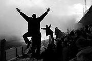 Fans cheering before the final match of FC Groningen in the old Oosterpark studium // FC Groningen neemt afscheid van het Oosterpark-stadion.