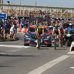08-05-2016: Wielrennen: Giro: Arnhem<br />ARNHEM (NED) wielrennen<br />De tweede etappe van de voerde het peloton door de over Betuwe en de Liemers. Passage Zutphen