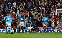 Fotball. Premier League. 09.11.2002.<br /> Manchester City v Manchester United.<br /> Siste ligaoppgjør på Maine Road.<br /> Shaun Goater jubler etter å ha scoret vinnermålet til 3-1.<br /> Foto: Tim Parker, Digitalsport