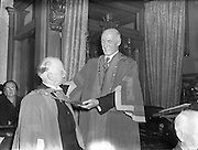 Alderman Alfred Byrne elected Mayor of Dublin for the Tenth Time. 28/06/1954.