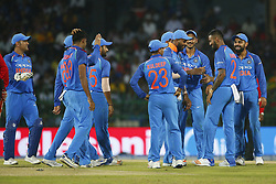 August 31, 2017 - Colombo, Sri Lanka - Indian cricket captain Virat Kohli and team members celebrate after the dismissal of Sri Lanka's Kusal Mendis(unseen)  the 4th One Day International cricket match between Sri Lanka and India at the R Premadasa international cricket stadium at Colombo, Sri Lanka on Thursday 31 August 2017. (Credit Image: © Tharaka Basnayaka/NurPhoto via ZUMA Press)