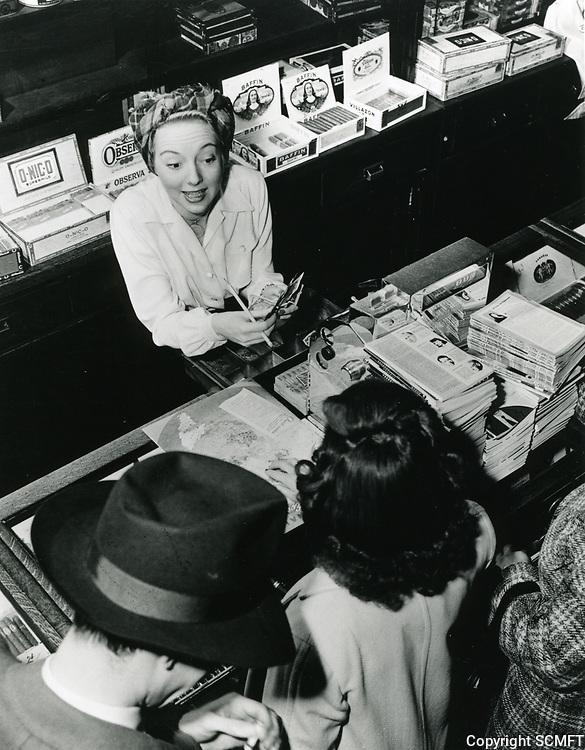 1945 Evelyn Keyes At Schwab's Drugstore
