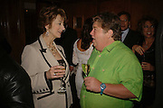 Maureen Lipman and Jono Coleman, Krug host the launch of Kathy Lette's book. ' How to Kill Your Husband' the Courthouse Hotel Great Marlborough St. London. 26 April 2006. ONE TIME USE ONLY - DO NOT ARCHIVE  © Copyright Photograph by Dafydd Jones 66 Stockwell Park Rd. London SW9 0DA Tel 020 7733 0108 www.dafjones.com