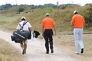 Een dag voor het KLM Open wordt de KLM pro Am gespeeld. Amateurs spelen gezamenlijk met een speler van de European Tour , sponsoren en genodigden op de toernooibaan van Kennemer Golf & Country Club .<br /> <br /> Op de foto:<br /> <br />   Johan Cruijff en Top Golfer Maarten Lafeber  <br /> <br /> The day before the KLM Open, the KLM pro Am games. Amateurs play together with one player from the European Tour, sponsors and invited guests at the tournament path of Kennemer Golf & Country Club.