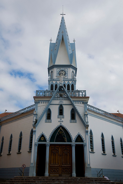 Manhumirim_MG, Brasil...Igreja Matriz do Bom Jesus em Manhumirim...The Bom Jesus church in Manhumirim...Foto: BRUNO MAGALHAES / NITRO