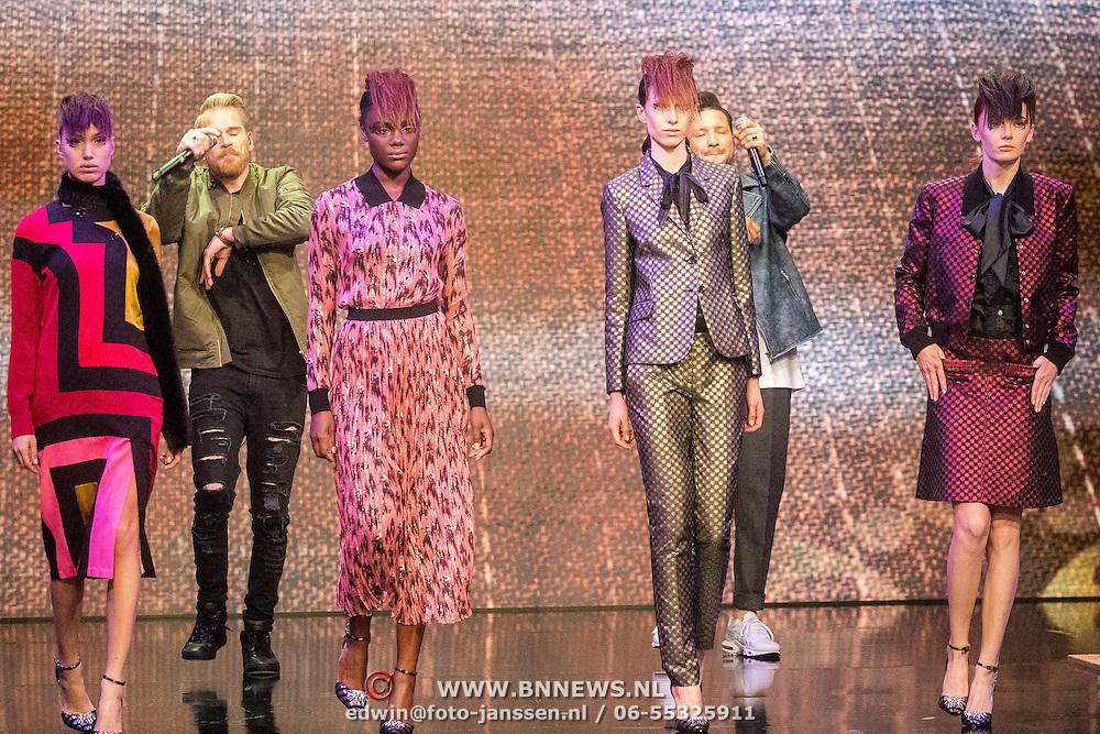 NLD/Amsterdam/20161025 - finale Holland Next Top model 2016, winnares Akke Marije Marinus, model Colette Kanza, model Emma Hagers en model Noor van Velzen