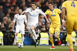 (l-r) Cristiano Ronaldo of Real Madrid, Mario Mandzukic of Juventus FC during the UEFA Champions League quarter final match between Real Madrid and Juventus FC at the Santiago Bernabeu stadium on April 11, 2018 in Madrid, Spain