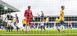 Falkirk's David McCracken (5) cele scoring their fifth goal.<br /> Falkirk 6 v 0 Cowdenbeath, Scottish Championship game played at The Falkirk Stadium, 25/10/2014.