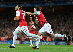28.09.2011, Emirates Stadium, London, ENG, UEFA CL, Gruppe F, FC Arsenal (ENG) vs Olympiakos Piräus (GRE), im Bild Arsenal's Andre Santos is congratulated by team-mate Tomas Rosicky after scoring his side's second goal // during the UEFA Champions League game, group F, ENG, UEFA CL, FC Arsenal (ENG) vs Olympiakos Piräus (GRE) at Emirates Stadium in London, United Kingdom on 2011/09/28. EXPA Pictures © 2011, PhotoCredit: EXPA/ Propaganda Photo/ Chris Brunskill +++++ ATTENTION - OUT OF ENGLAND/GBR+++++