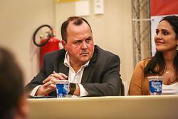 """PORTO ALEGRE, RS, BRASIL, 15-03-2018, 20h30'24"""":  O empresário Rubens Rebés e o advogado Tomaz Schuch são os novos dirigentes do AVANTE, no RS. A posse da direção estadual do partido contou com a presença do Deputado Federal e presidente nacional, Luís Tibê (MG), e ocorreu na noite de quinta-feira (15/3) no Hotel Intercity. AVANTE é um partido político brasileiro, fundado como Partido Trabalhista do Brasil (PTdoB) por dissidentes do Partido Trabalhista Brasileiro (PTB), em 1989. Seu número eleitoral é o 70. O novo nome, criado a partir do desejo das pessoas que lutam por um país que segue em frente, se aproxima ainda mais dos verdadeiros objetivos do partido, alicerçado ao longo de sua história e atrelado aos novos pilares: compromisso, prosperidade, humanidade, coletividade, diálogo, transparência e liberdade. (Foto: Gustavo Roth / Agência Preview) © 15MAR18 Agência Preview - Banco de Imagens"""