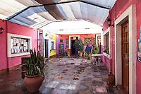 SAN MARCOS SIERRAS, PATIO DE ENTRADA A UN LOCAL COMERCIAL, PROVINCIA DE CORDOBA, ARGENTINA (PHOTO © MARCO GUOLI - ALL RIGHTS RESERVED)