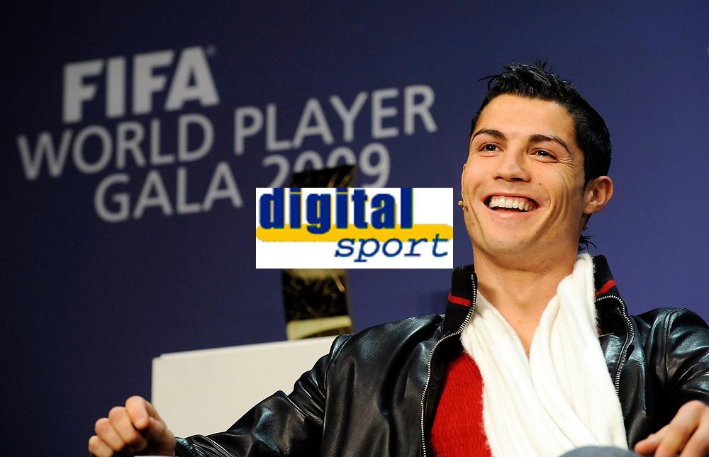 Cristiano Ronaldo (POR) an der Pressekonferenz. © Valeriano Di Domenico/EQ Images