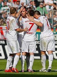 24.04.2010, Borussia_Park, Mönchengladbach (Moenchengladbach), GER, 1.FBL, Borussia Mönchengladbach vs Bayern München (Muenchen), im Bild Jubel nach Ausgleichstreffer, Arjen Robben (Bayern München / Muenchen NED #10), Torschütze Miroslav Klose (Bayern München / Muenchen GER #18), Franck Ribery (Bayern München / Muenchen FRA #7) und Ivica Olic (Bayern München / Muenchen CRO #11), EXPA Pictures © 2010, PhotoCredit: EXPA/ nph/  Scholz *** Local Caption *** / SPORTIDA PHOTO AGENCY