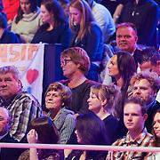 NLD/Hilversum/20130101 - 1e Liveshow Sterren dansen op het IJs 2013, familie Jarno Hams