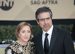 January 21, 2018 - Los Angeles, California, U.S - Anna Romano (L) and actor Ray Romano at the red carpet of the 24th Annual Screen Actors Guild Awards held at the Shrine Auditorium in Los Angeles, California, Sunday January 21, 2018. (Credit Image: © Prensa Internacional via ZUMA Wire)
