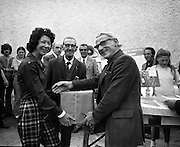 Knights of the Silver Hook.  (H1)..1974..30.06.1974..06.30.1974..30th June 1974..The Knights of the Silver Hook sea angling competition took place off Greystones today. the competition was sponsored by Player Wills Ireland Ltd.The competition was organised by The Silver Hook Club,Greystones, Co Wicklow..Mrs F Usher,wife of the Promotions Controller, Player Wills,Irl,Ltd is pictured presenting a prize at the Silver Hook S.A.C., Greystones.