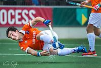 AMSTELVEEN - de maker van de 2 Bloemendaal doelpunten , Tim Swaen (Bldaal), tijdens de hoofdklasse competitiewedstrijd hockey mannen, Amsterdam-Bloemendaal (1-2) , COPYRIGHT KOEN SUYK