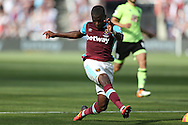 Enner Valencia of West Ham United takes a shot at goal. Premier league match, West Ham Utd v AFC Bournemouth at the London Stadium, Queen Elizabeth Olympic Park in London on Sunday 21st August 2016.<br /> pic by John Patrick Fletcher, Andrew Orchard sports photography.