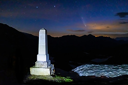 THEMENBILD - Der Komet C/2020 F3 (NEOWISE) im dreiländereck des Nationalpark Hohe Tauern, über der Grossglockner Hochalpenstrasse, an der Landesgrenze am Hochtor am Montag 20 Juli 2020. Der Komet wurde am 27. März 2020 im Rahmen des Projekts NEOWISE durch das Weltraumteleskop WISE entdeckt. //The comet C / 2020 F3 (NEOWISE) in the border triangle of the Hohe Tauern National Park, above the Grossglockner High Alpine Road, on the national border at the Hochtor. Salzburg, Austria on Monday 20 July 2020. The comet was discovered on March 27, 2020 as part of the NEOWISE project by the WISE space telescope. EXPA Pictures © 2020, PhotoCredit: EXPA/ Johann Groder