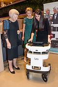Prins Friso Ingenieursprijs uitgereikt aan Maja Rudinac oprichter van Robot Care systems.<br /> <br /> Prince Friso Engineer Award awarded to Maja Rudinac, founder of Robot Care systems.<br /> <br /> Op de foto: <br />  Prinses Beatrix en prinses Mabel met Maja Rudinac oprichter van Robot Care systems. // Princess Beatrix and princess Mabel with Maja Rudinac founder of Robot Care systems.