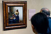 Rijksmuseum Amsterdam  / National MUseum Amsterdam-<br /> Titel /Title: De keukenmeid ( Melkmeisje)-<br /> Jaartal/Year: ca. 1658-<br /> Kunstenaar/Painter:Johannes Vermeer -<br /> Techniek:Olieverf op doek-<br /> Afmetingen/Size: 45,5 x 41 cm-