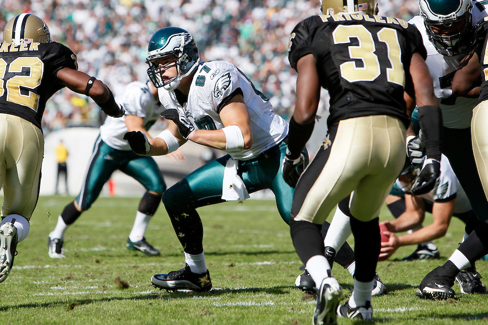 Philadelphia Eagles tight end Brent Celek #87 during the NFL game between the New Orleans Saints and the Philadelphia Eagles on September 20th 2009. The Saints won 48-22 at Lincoln Financial Field in Philadelphia, Pennsylvania. (Photo By Brian Garfinkel)