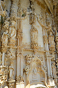Het Convent van Christus is een klooster in de Portugese stad Tomar. Het klooster staat op de Werelderfgoedlijst van UNESCO. Het klooster is oorspronkelijk gebouwd door de Orde van de Tempeliers en later uitgebouwd door de Orde van Christus, de opvolgers van de Tempeliers in Portugal. <br /> <br /> The Convent of Christ is a monastery in the Portuguese city of Tomar. The monastery is a UNESCO World Heritage Site. The monastery was originally built by the Order of the Templars and later expanded by the Order of Christ, the successors of the Templars in Portugal.