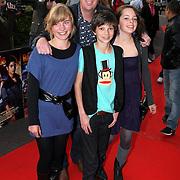 NLD/Utrecht/20080928 - Premiere Radeloos, jochem van Gelder en zoon en vriendinnetjes