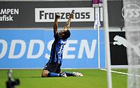 Fotball<br /> 23 august 2009<br /> Tippeligaen <br /> Stabæk - Vålerenga<br /> Daniel Nannskog , Stabæk har opphevet måltørken <br /> og setter 1 - 0 for hjemmelaget<br /> Foto : Reidar Talset , Digitalsport