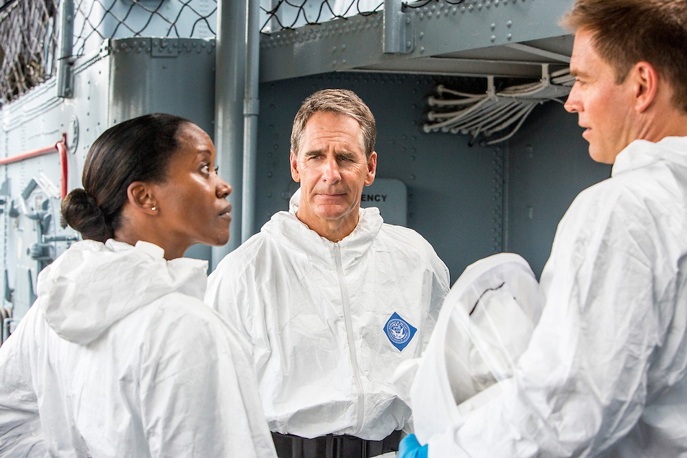 """Erika Alexander as Navy Commander Louanne Bates, Scott Bakula as Special Agent Dwayne Pride, and Michael Weatherly as NCIS Special Agent Tony DiNozzo in CBS's """"NCIS: New Orleans"""" Season 1"""